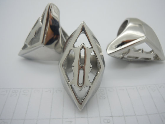 *BLOW OUT SALE* DIAMOND 8 RING