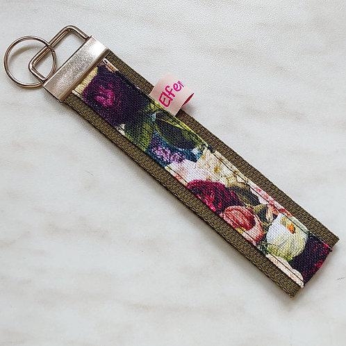 Schlüsselband olivgrün/ Blumen bunt