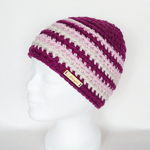Mütze gehäkelt brombeer/ rosa/ creme