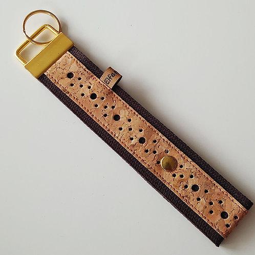 Schlüsselband dunkelbraun / Kork gelocht / gold