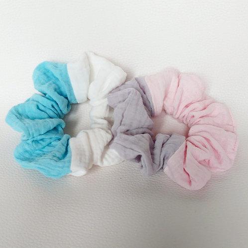 scrunchies 2er Set grau/rosa und weiss/türkis