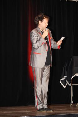 conference spectacle magie vendee, hypnotiseur, magie thérapie , hypnotherapeute, vendee pays de loi