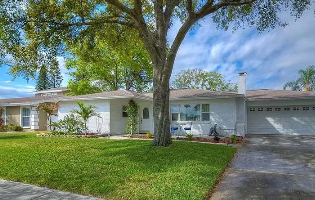 8717 Cobblestone Dr Tampa, FL 33615