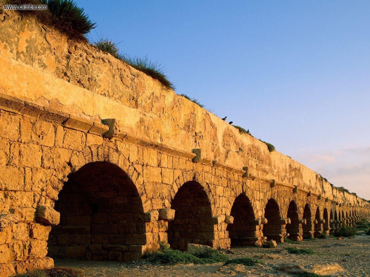RomanAqueductCaesareaIsrael_1280x960.jpg