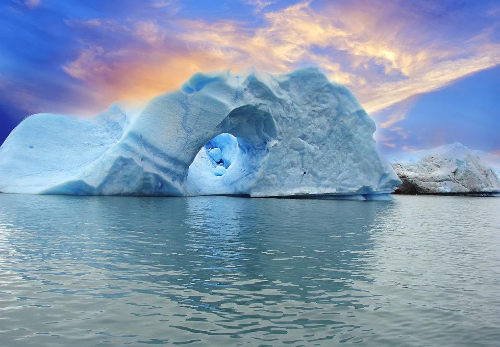 ARGENTINA, ICEBERGS OF SPEGAZZINI GLACIE