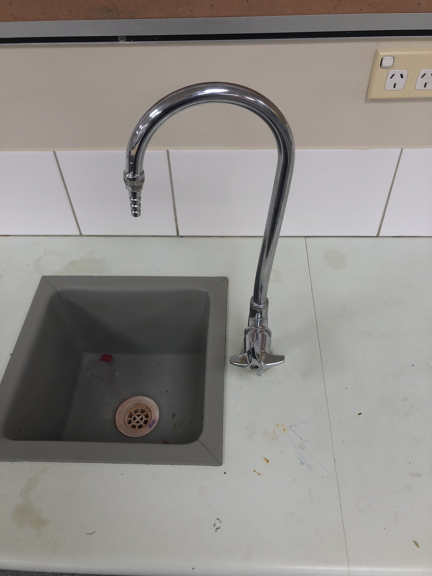 commercial-sink-2