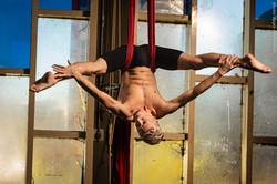 Acrobat-Toffy aerial silks - Photo: voges-design.com