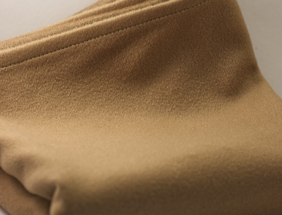 Beige Scarf in Wool-Cashmere Blend