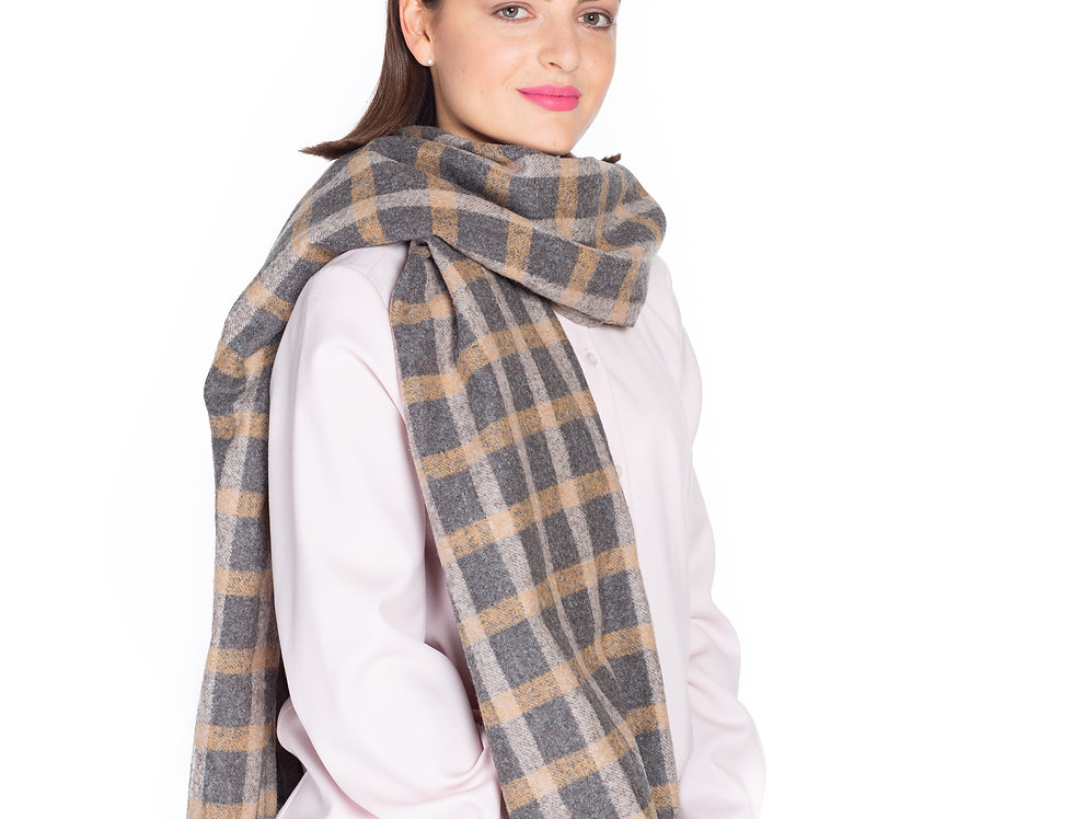Soft Checked Scarf in Wool-Cashmere Blend