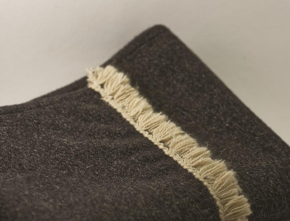 Gent´s Dark Grey Scarf in Wool-Cashmere Blend with Fringe