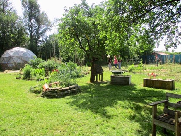 Le Jardin Partagé tout propre !.jpg