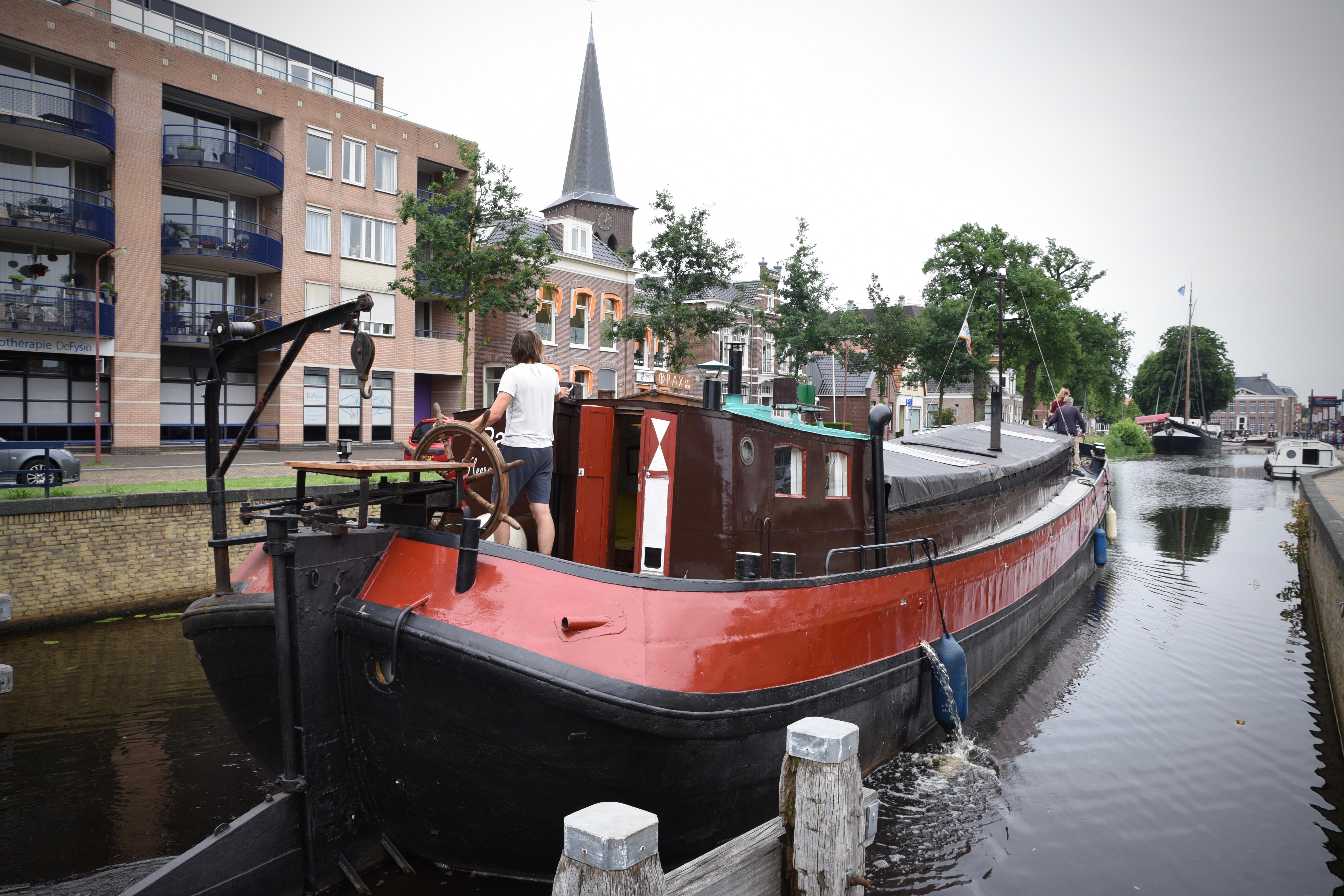 Groninger Tjalk woonschip