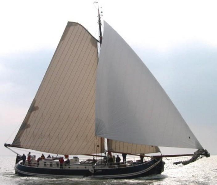 Groninger tjalk 23 m, charter