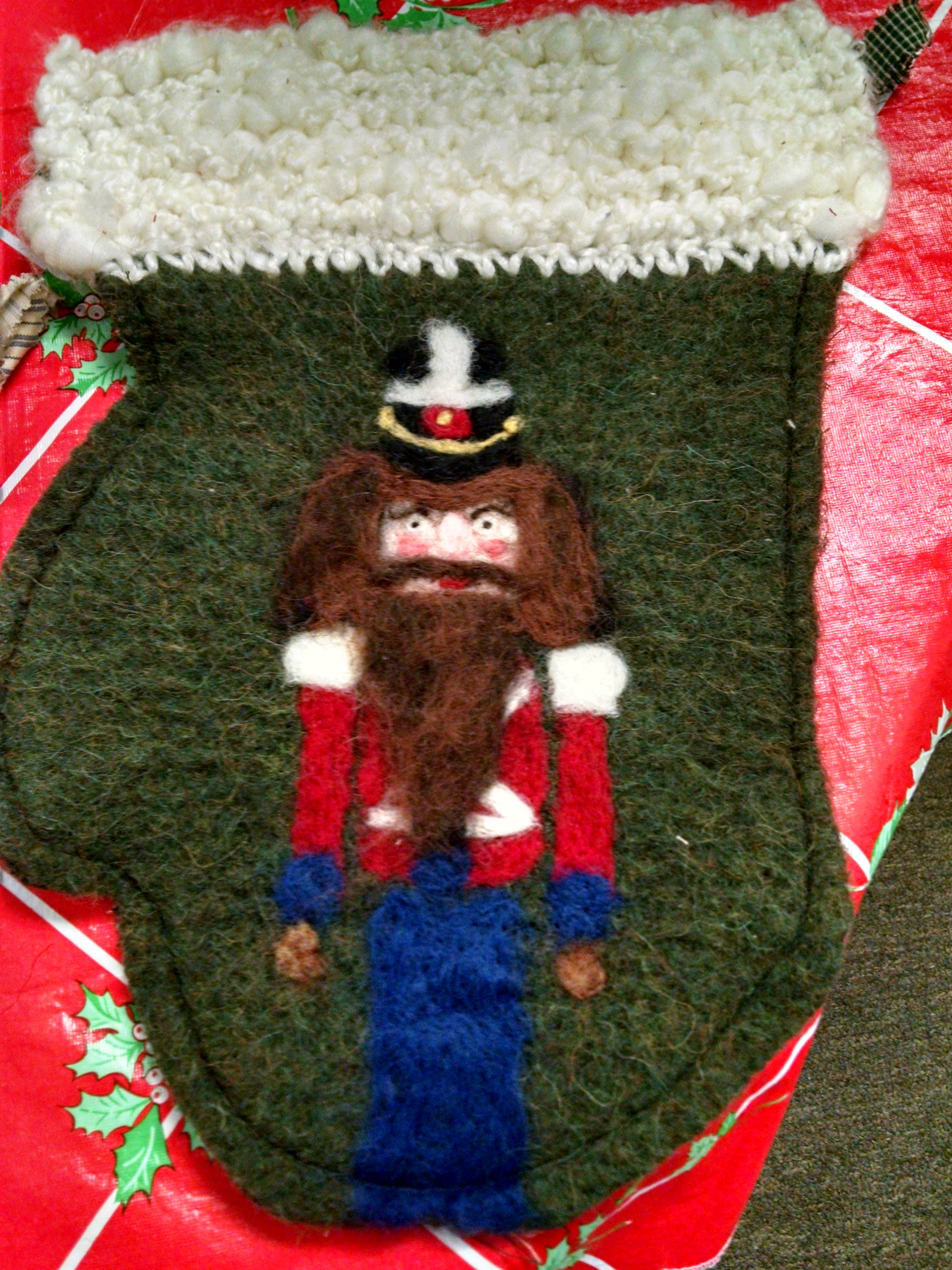 XL Christmas Mits - Toy Soldier