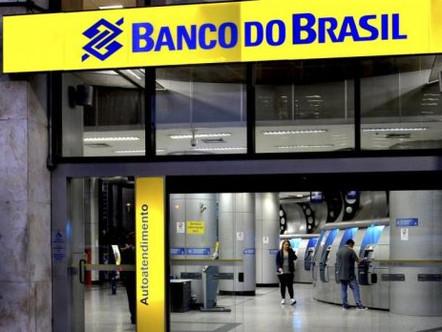 Banco do Brasil e Santander reabrem conta de corretora de Bitcoin para não pagarem multa
