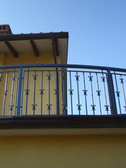 Balcone in alluminio Modello B005