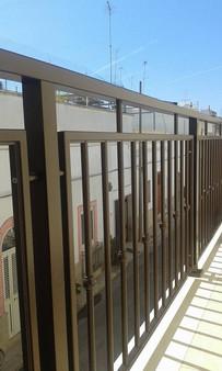 Balcone in alluminio modello B009