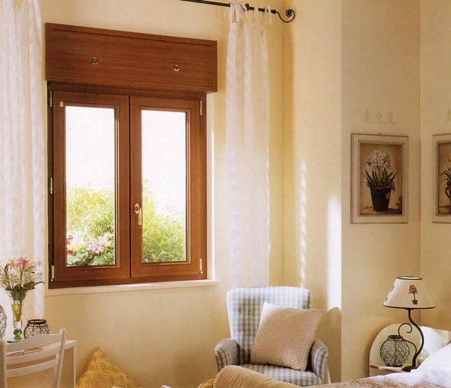 finestre-in-pvc-effetto-legno-con-vetri-