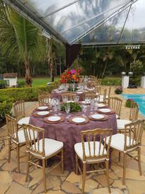 Mesa de convidados com Dior Dourada