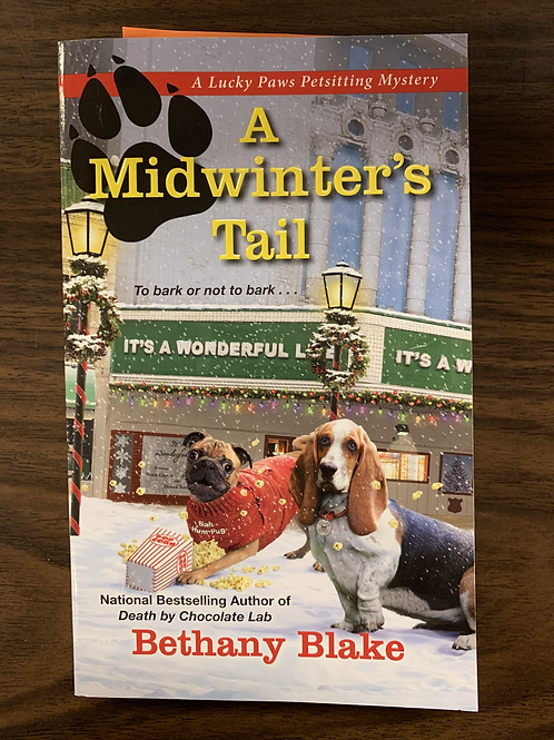 A Midwinter's Tail (Lucky Paws Petsitting Mystery Book #4)