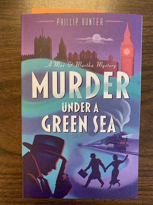 Murder Under A Green Sea - A Max and Martha Mystery #1