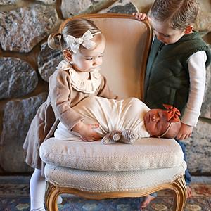 Ada Newborn & Family Photos