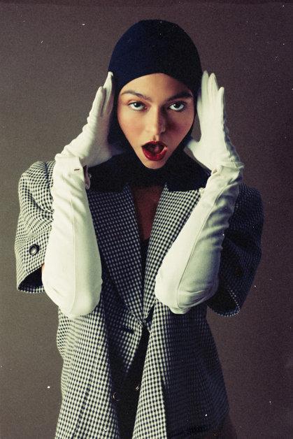 Photographer: Clay Moss Model: Lindsay Gallagher Stylist, HMUA: Sarah Stiles