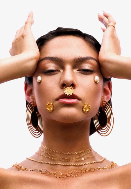 Photographer: David Zulli Model: Lindsay Gallagher