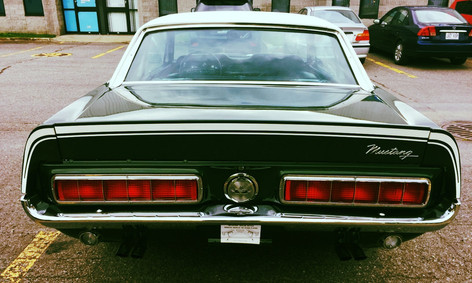 Classic Mustang heading to France