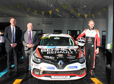 Bennett Renault celebrate 1st year anniversary with Clio Cup racer