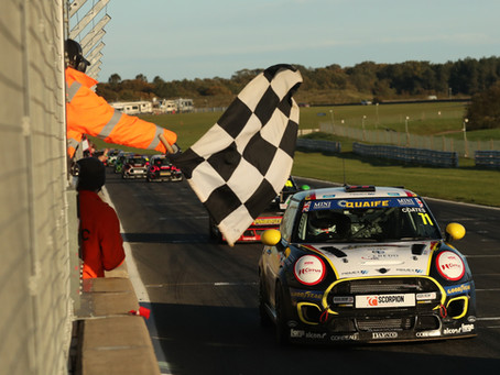 Podium finish for Coates in MINI CHALLENGE