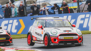 Consistent Coates takes brace of fourths
