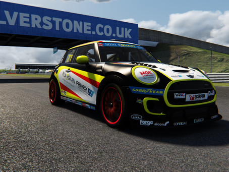 Coates up to second in MINI CHALLENGE eSeries