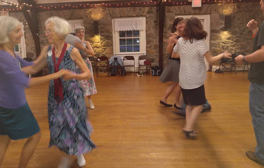 2016-05-14 Round Hill Country Dances-4