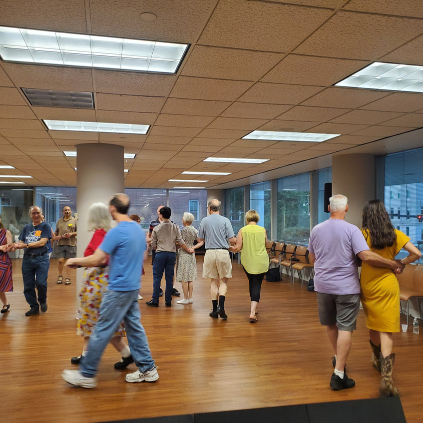 Round Hill Country Dances