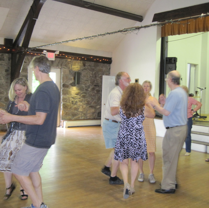 Round Hill Country Dance