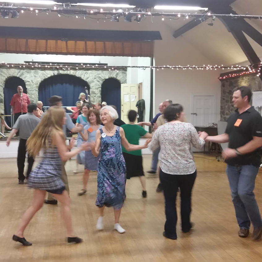 2016-05-14 Round Hill Country Dances-1