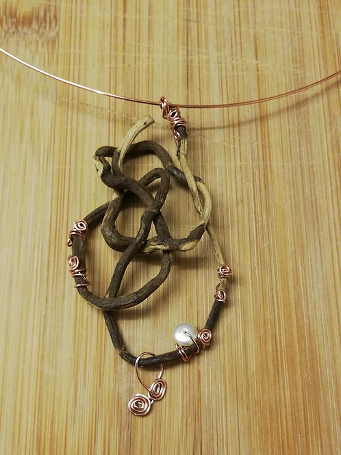 Root pendant with pearl and copper wire ornaments