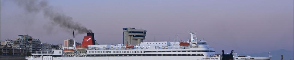 Smoking Ferry NIssos Rodos in Piraeus_Hellenic Seaways_