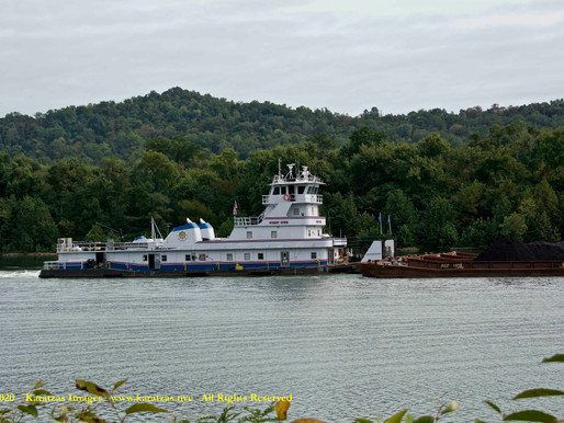 Barge and Pusher Tug Images from the Ohio River