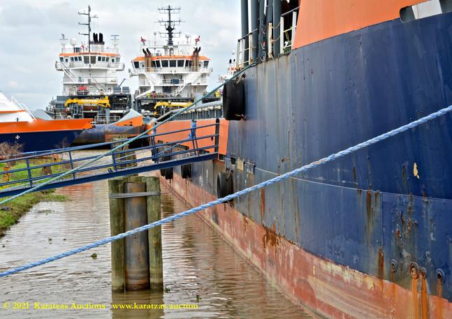 KMI_9032_STBD hull_stock image @.jpg