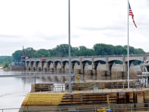 Images of Lock and Dam 24, Mississippi River Mile 243.4, Clarksville, MO