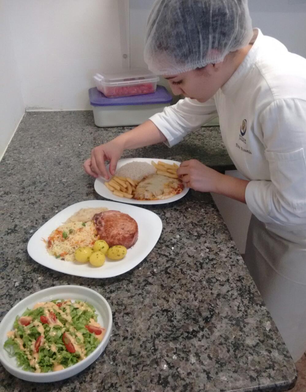 Gradua O E Est Gio Estudante De Gastronomia Da Unifaj Destaca  ~ Namorado Que Cozinha Agrega
