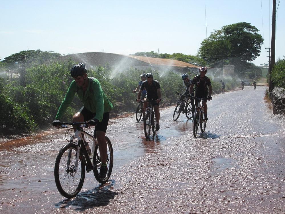 Tour de bicicleta revela ângulos diferentes das belezas de Holambra  - Jornal da Cidade - Holambra