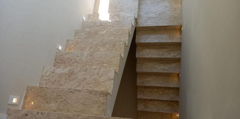 Escada Mármore Travertino Nacional