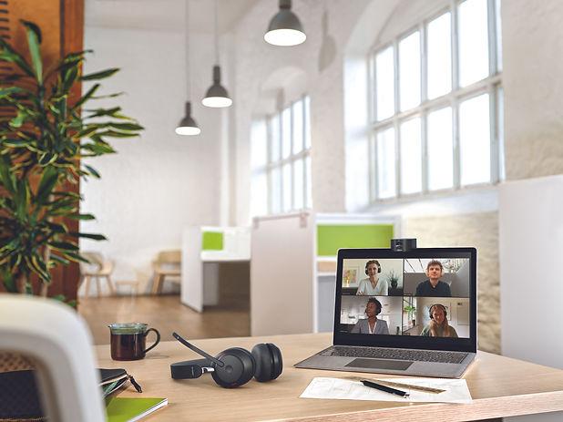 Jabra PanaCast 20 Evolve2 65 UC Laptop Coworking Large.jpg