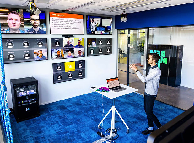Ctouch-sala-virtual-con-Barco-y-Kinly-2.