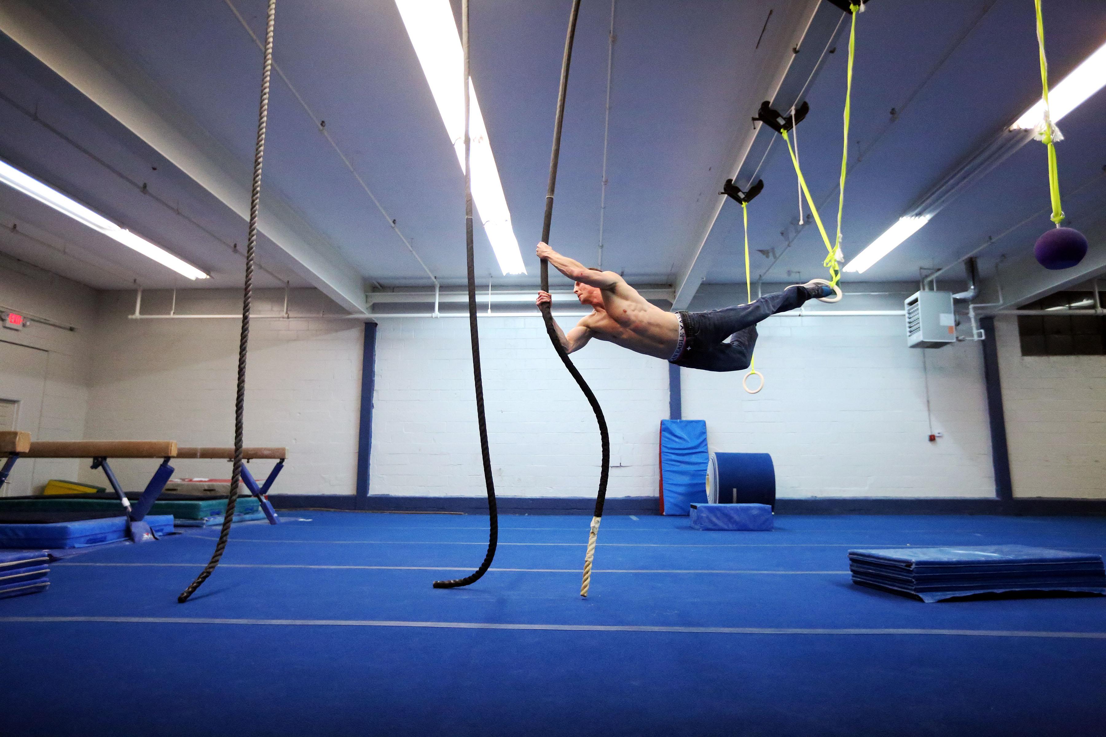 Justin Conway Ninja Warrior rope jump