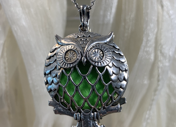 Big Owl Diffuser Necklace