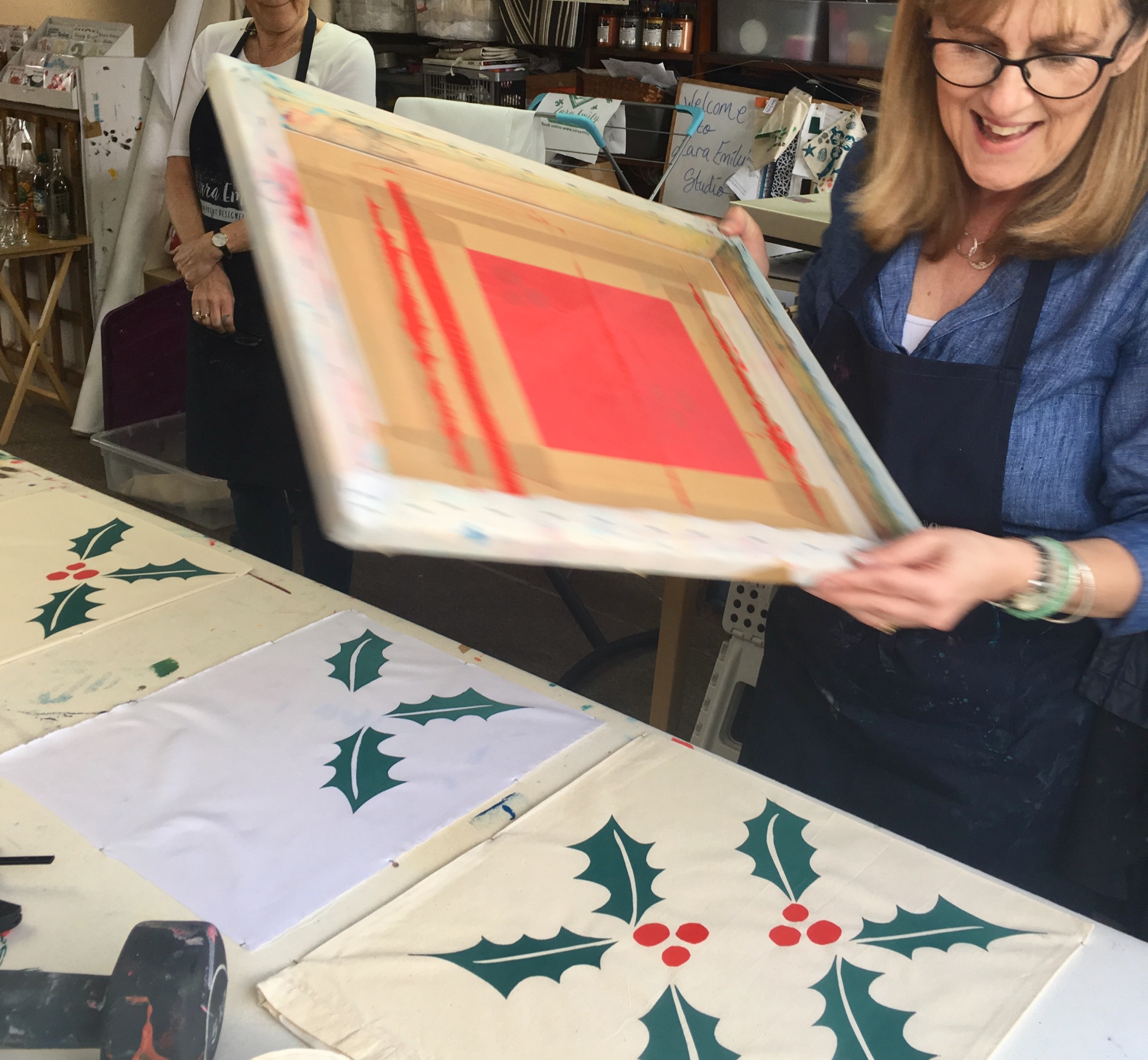 Screen print your Christmas gifts